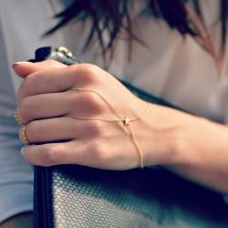Dainty Star Hand Chain