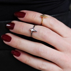 Rosie wears the Dreamy Star Ring