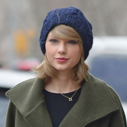 Taylor Swift Wears Lucky Number 13 Necklace